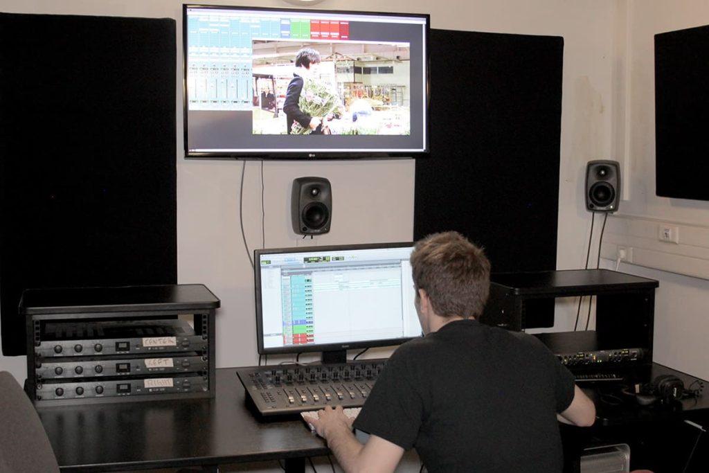 Lucas Vauthier, diplômé de la formation Réalisation sonore de l'EICAR, travaille aujourd'hui comme monteur son pour le cinéma.