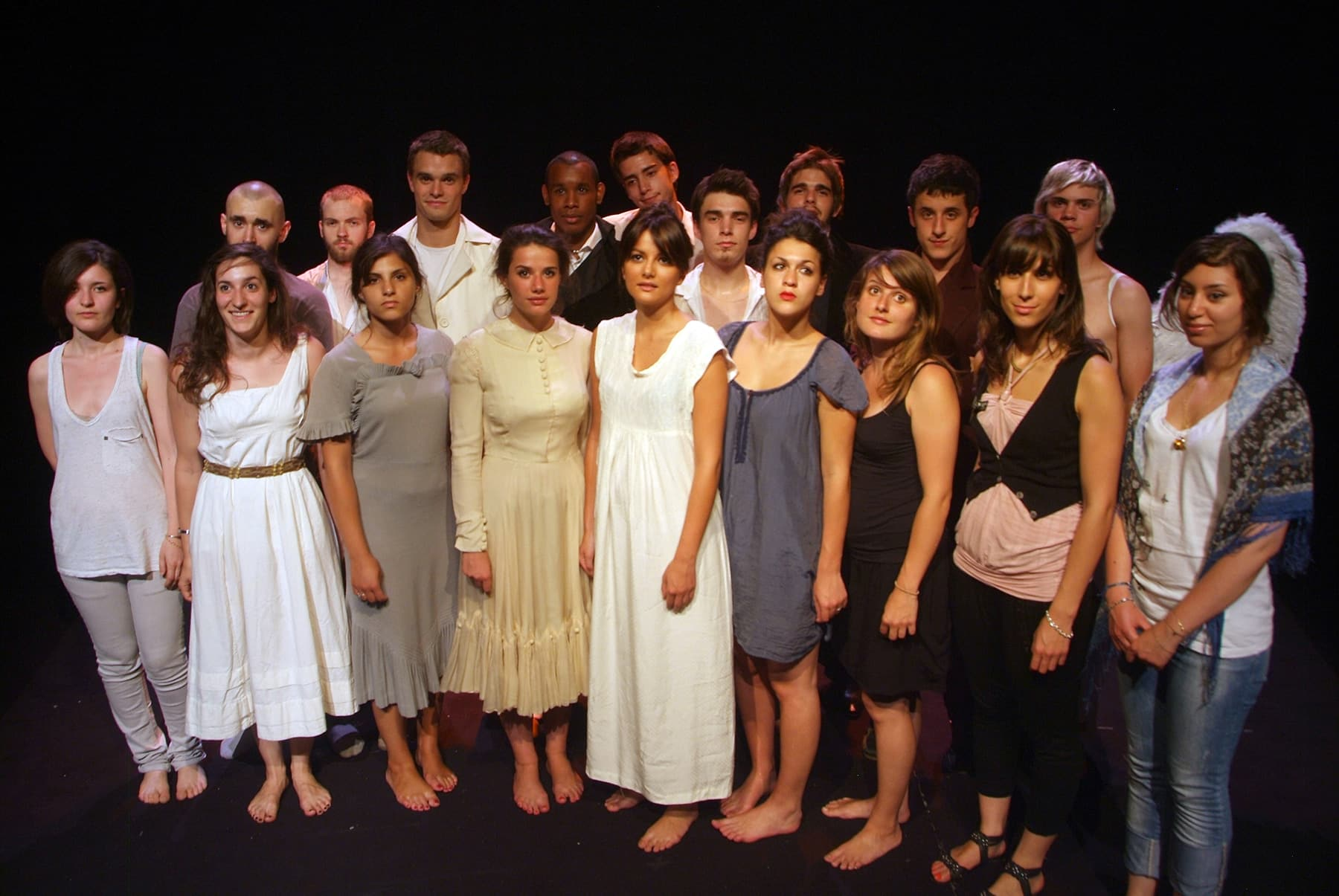 Bastien Ughetto et les étudiants de la formation Acting (Actorat), dans la pièce de théâtre Tchekhoviades.